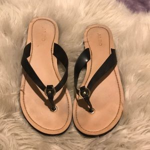Aldo black flip flops
